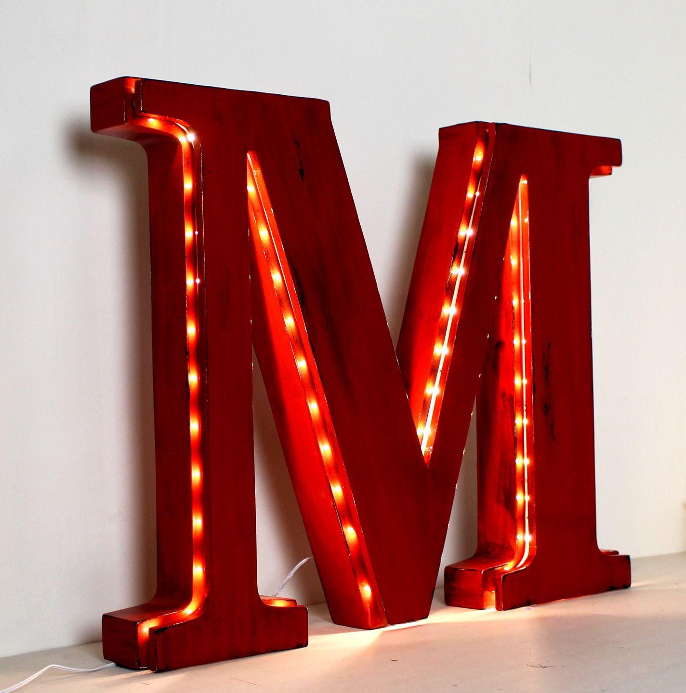 lettre lumineuse rouge g ante en bois poser m d coration mariage mylittledecor luminaires. Black Bedroom Furniture Sets. Home Design Ideas