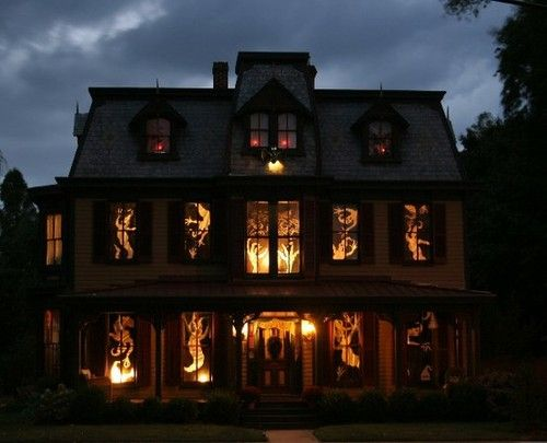 30 Simple Halloween Ideas for Mysteriously Glowing Window - scary halloween house decorations