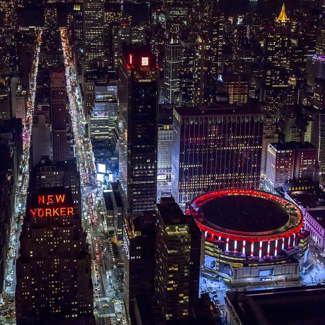 Hotel New Yorker Y Madison Square Garden With Images New York