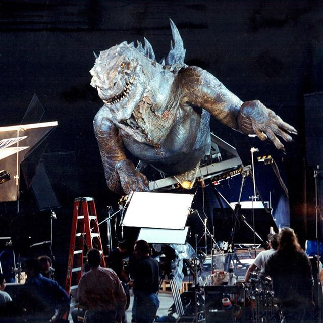 The Huge 1:6th Scale Godzilla Animatronic On The Set Of