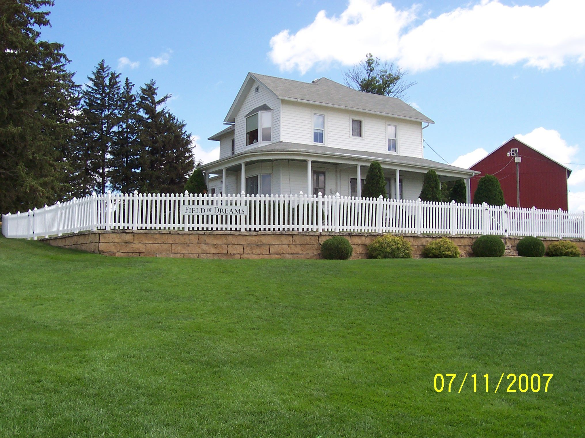 Field Of Dreams Farm House In Dyersville Iowa Travel Usa Multicityworldtravel
