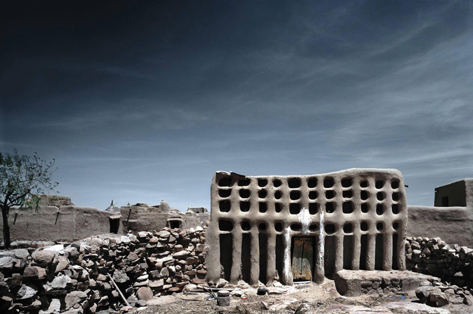Adobe Mud Brick Ginna House in Ogol Ley, Sanga, Mali.  Archeaology.about.com