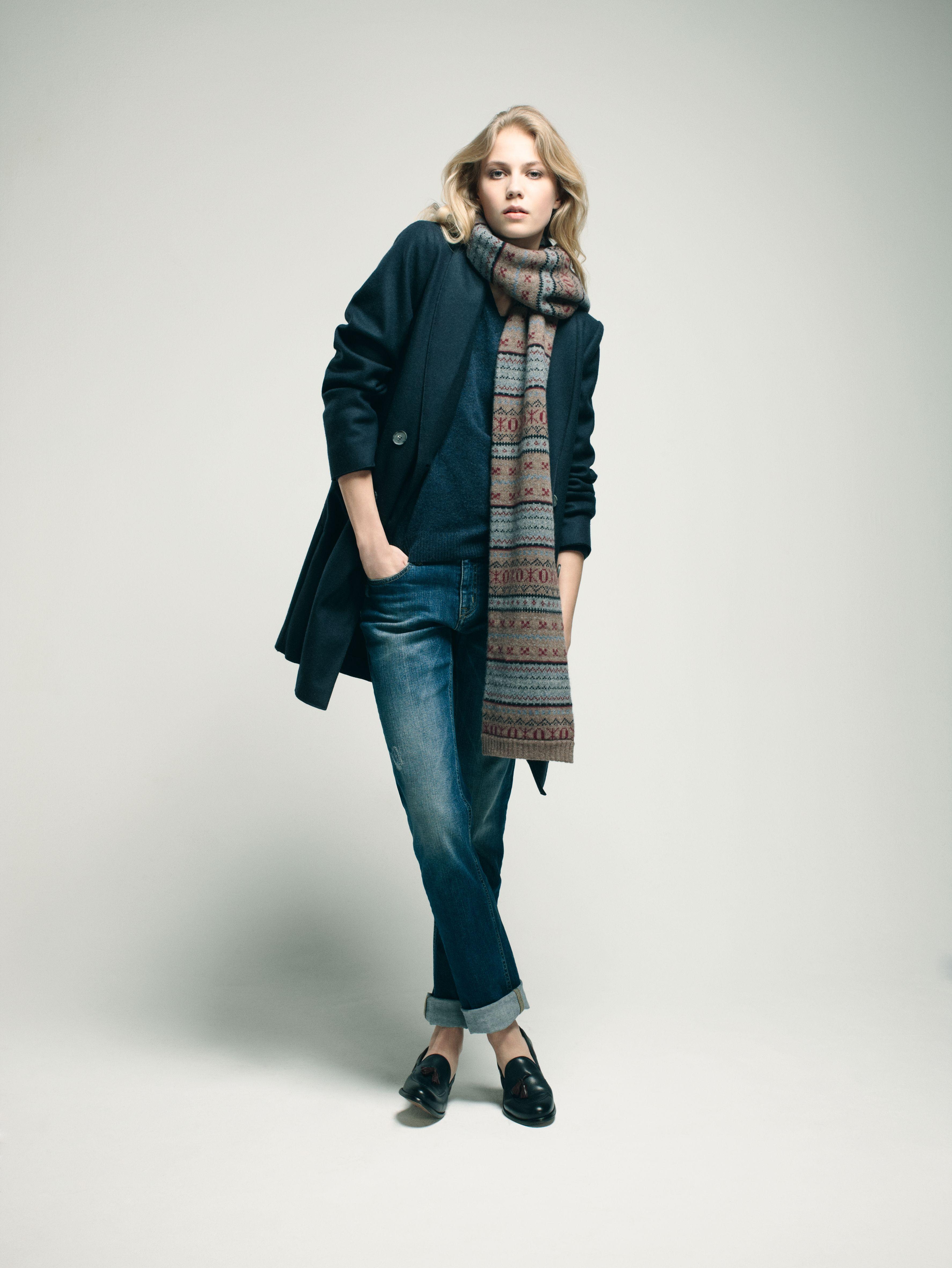 Eden Park – Look Femme   Woman Manteau en laine et polyamide, pull col V en  laine mérinos extrafine, jean 5 poches, écharpe jacquard en laine,  mocassins en ... de4fc5c4f99