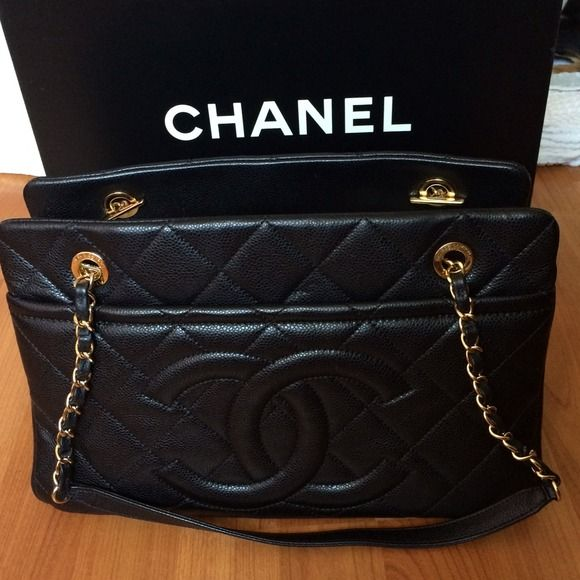 CHANEL Black Caviar Leather Quilted Purse Bag