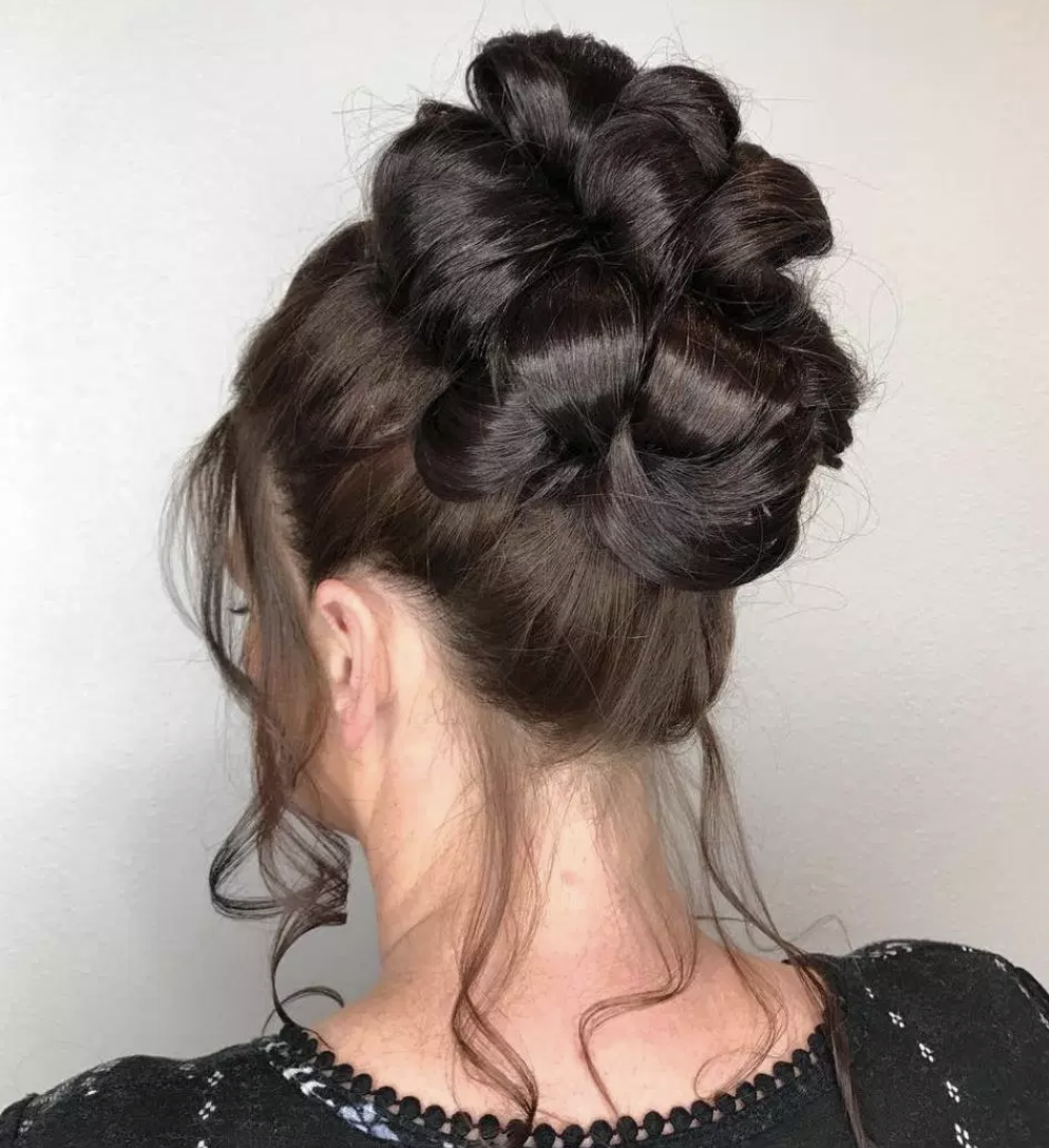 40 Long Hairstyles for Older Women that Look Gorgeous Categories ...