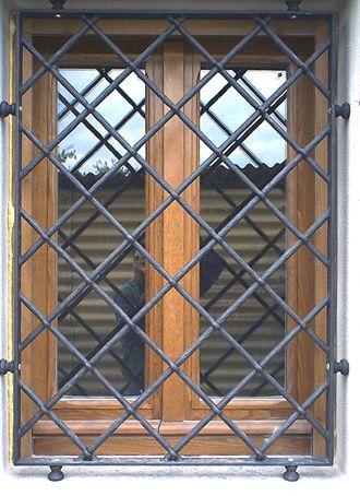 Grate di sicurezza per finestre grate pinterest iron - Costo grate per finestre ...