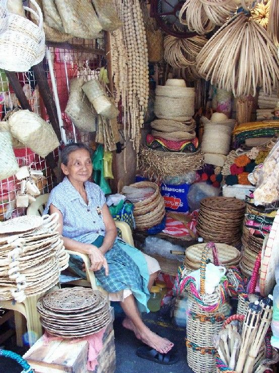 Divisoria A Huge Outdoor Market Known For Its Great Bargains