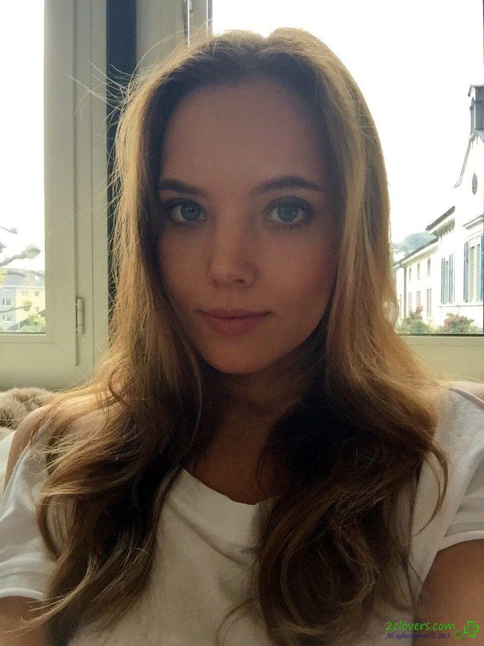 Selfie Katya Clover