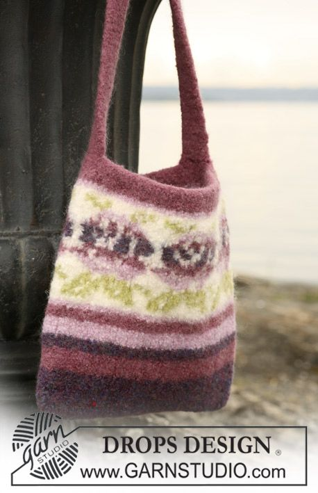 """DROPS felted bag in """"Eskimo"""" with rose border pattern. divine knit ..."""