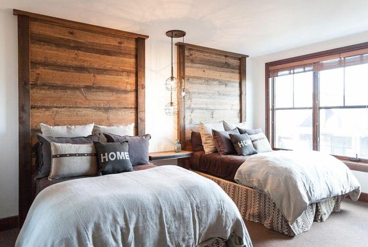 deckenhohe Kopfbretter recycliertes Holz rustikaler Look - ideen für das schlafzimmer