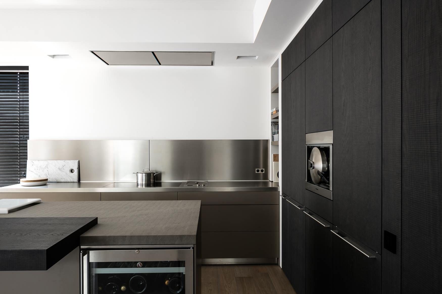 Bulthaup B3 Keuken : Bulthaup b keuken in laminaat lehm en roestvrijstalen