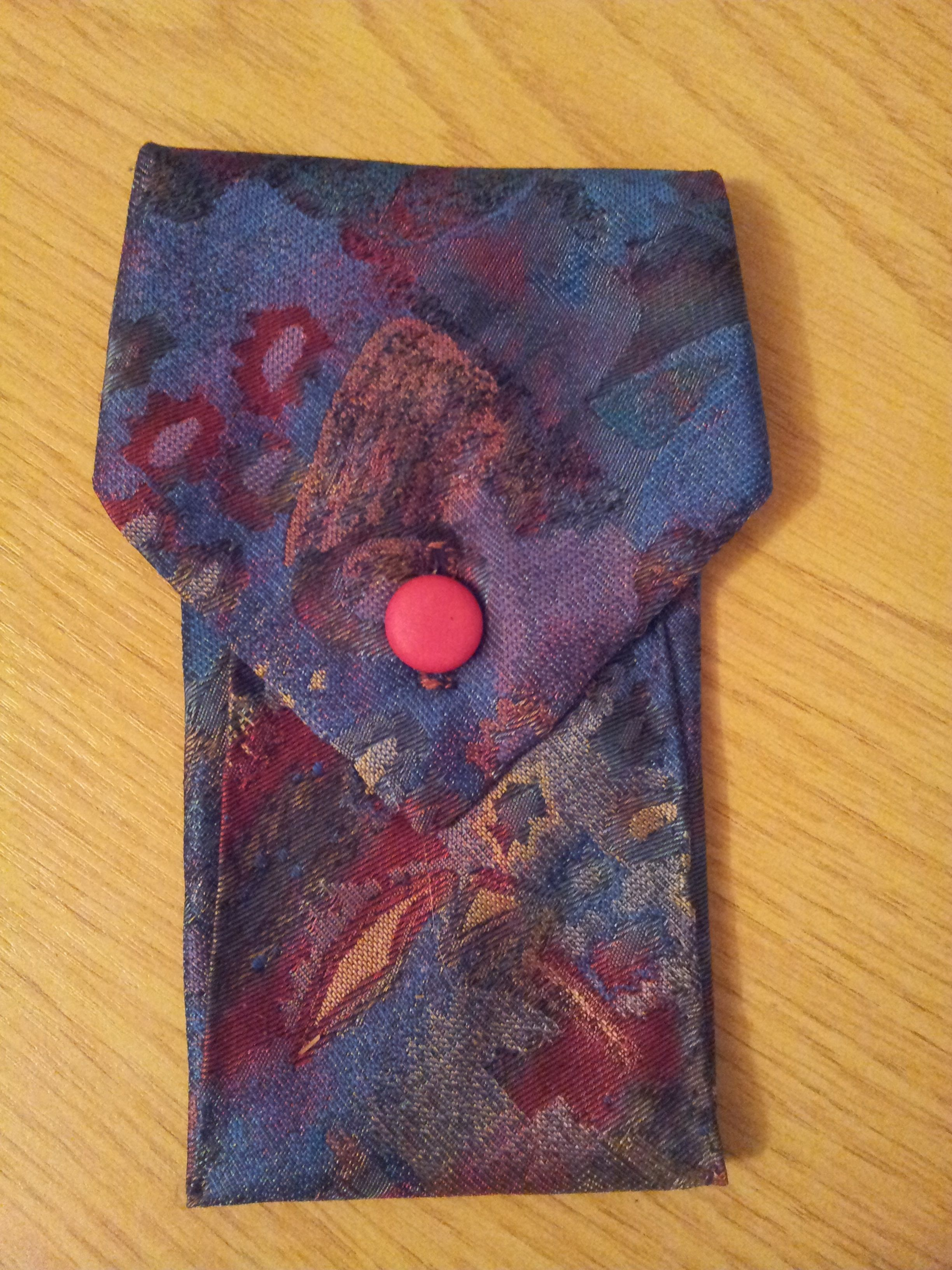 Mobile phone pouch made from a tie. www.junksmith.co.uk