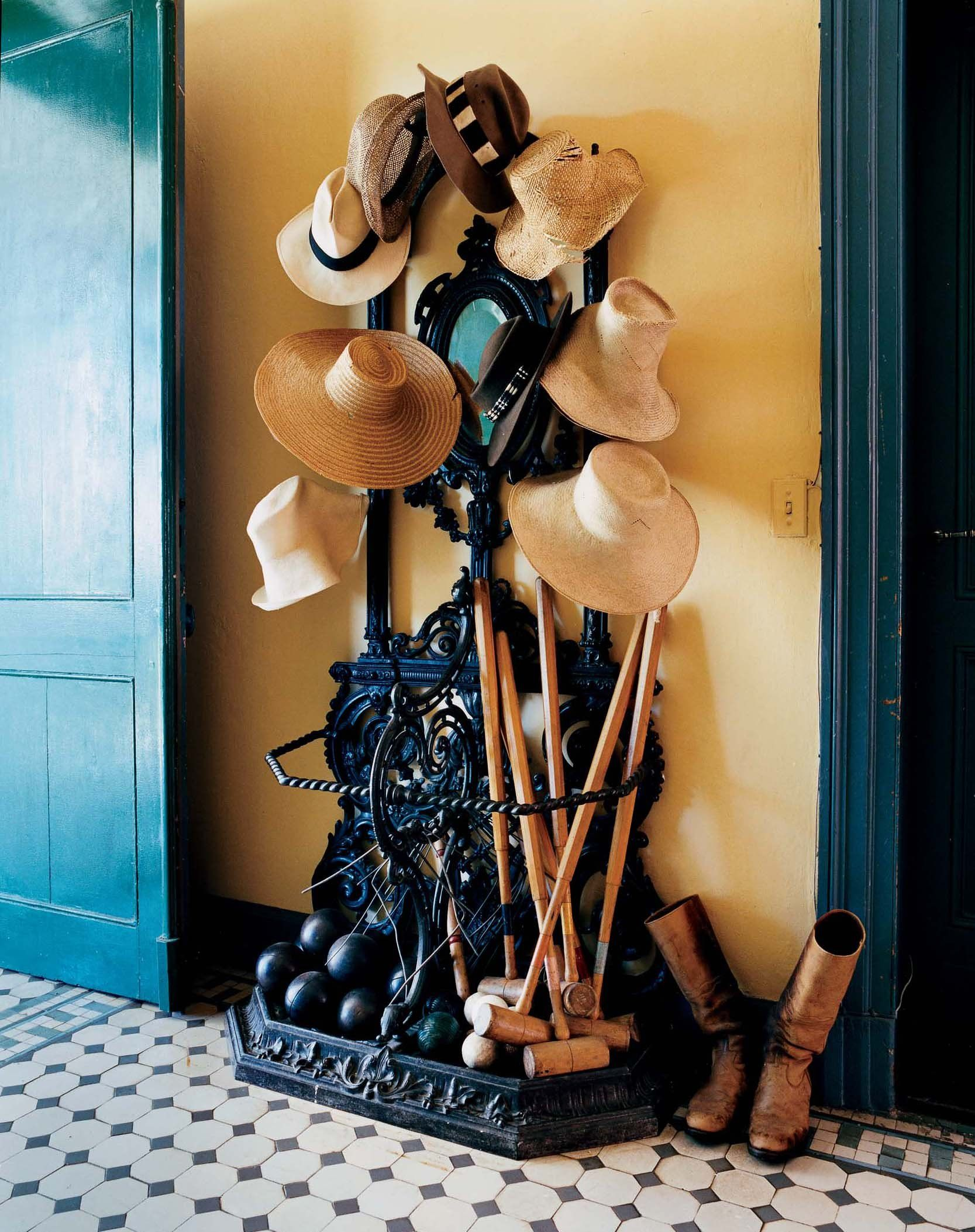 Decorating With Hats The Most Beautiful Foyers In Vogue Photos Brooke Dorsay Sun