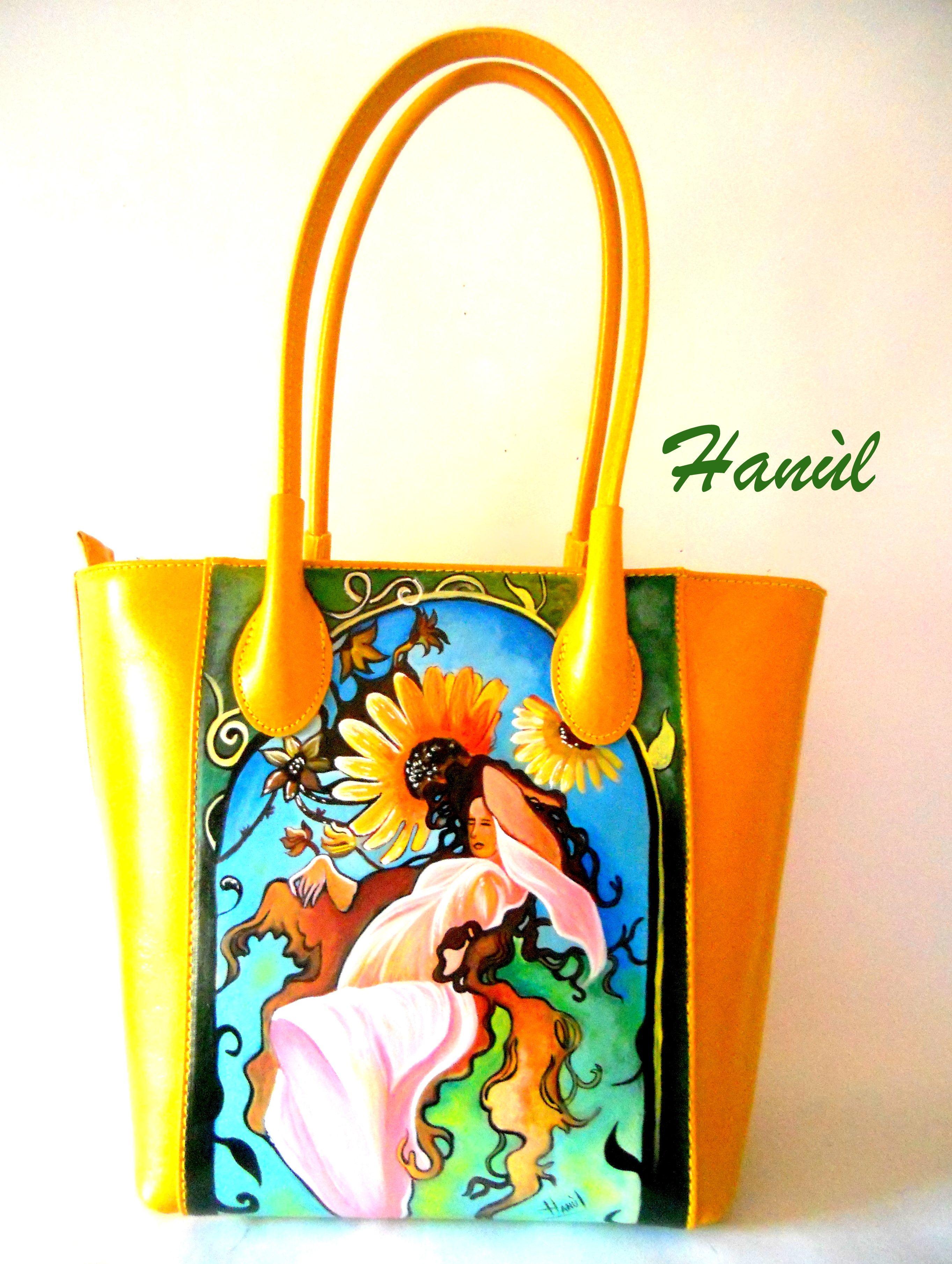 Borsa in pelle gialla dipinta a mano, L'ESTATE, di Alphonse Mucha #borsedipinteamano #borsedipinte #handpaintedbags