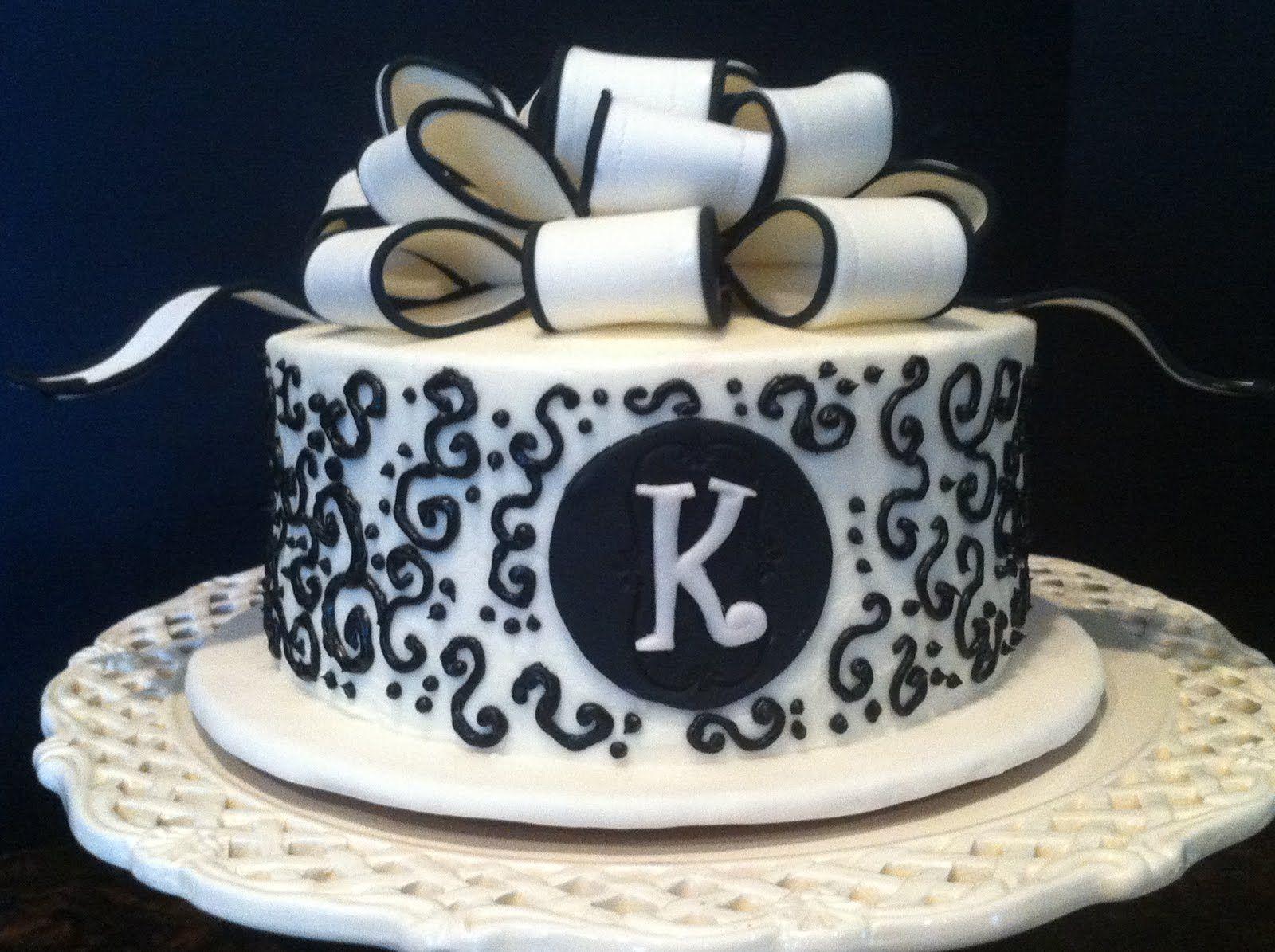 Small single tier black and white wedding cake design wedding