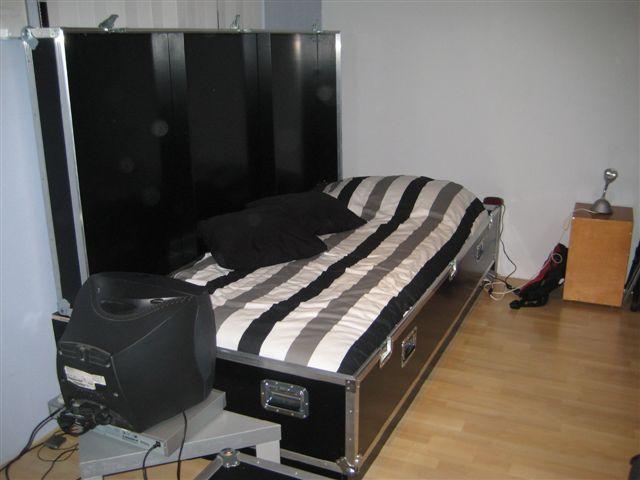 flightcase bed bedroom pinterest. Black Bedroom Furniture Sets. Home Design Ideas