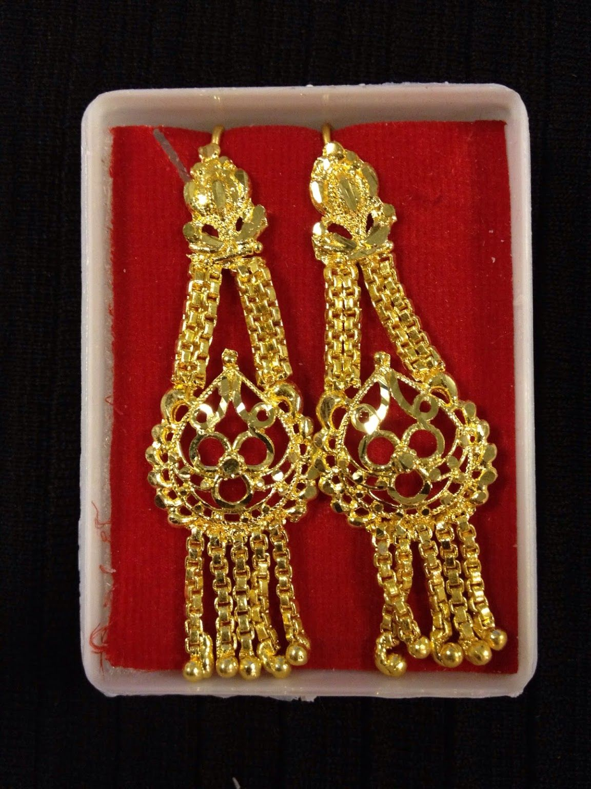 Indian jewelry - small dangle earrings | HDaccessories