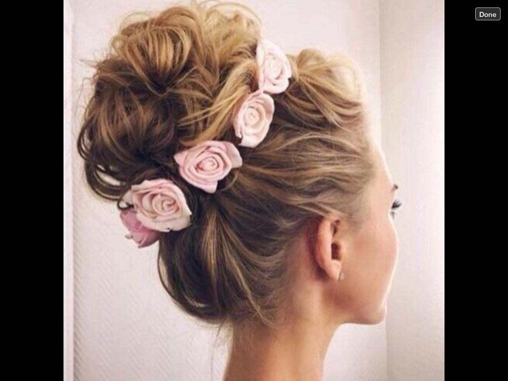 Chignon fleurie coiffure pinterest