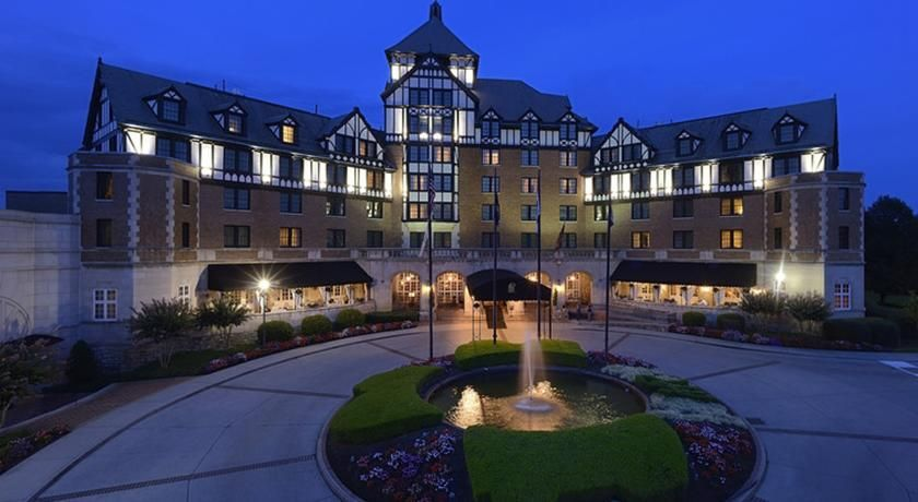 Just Off The Blue Ridge Parkway Virginia S Hotel Roanoke Conference Center Has Been Welcoming
