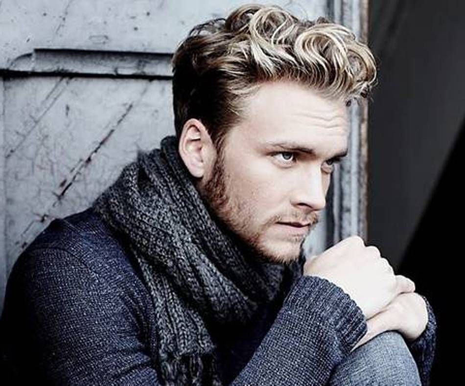 Beautiful Men Short Wavy Hairstyles And Color   Http://hairstylee.com/men