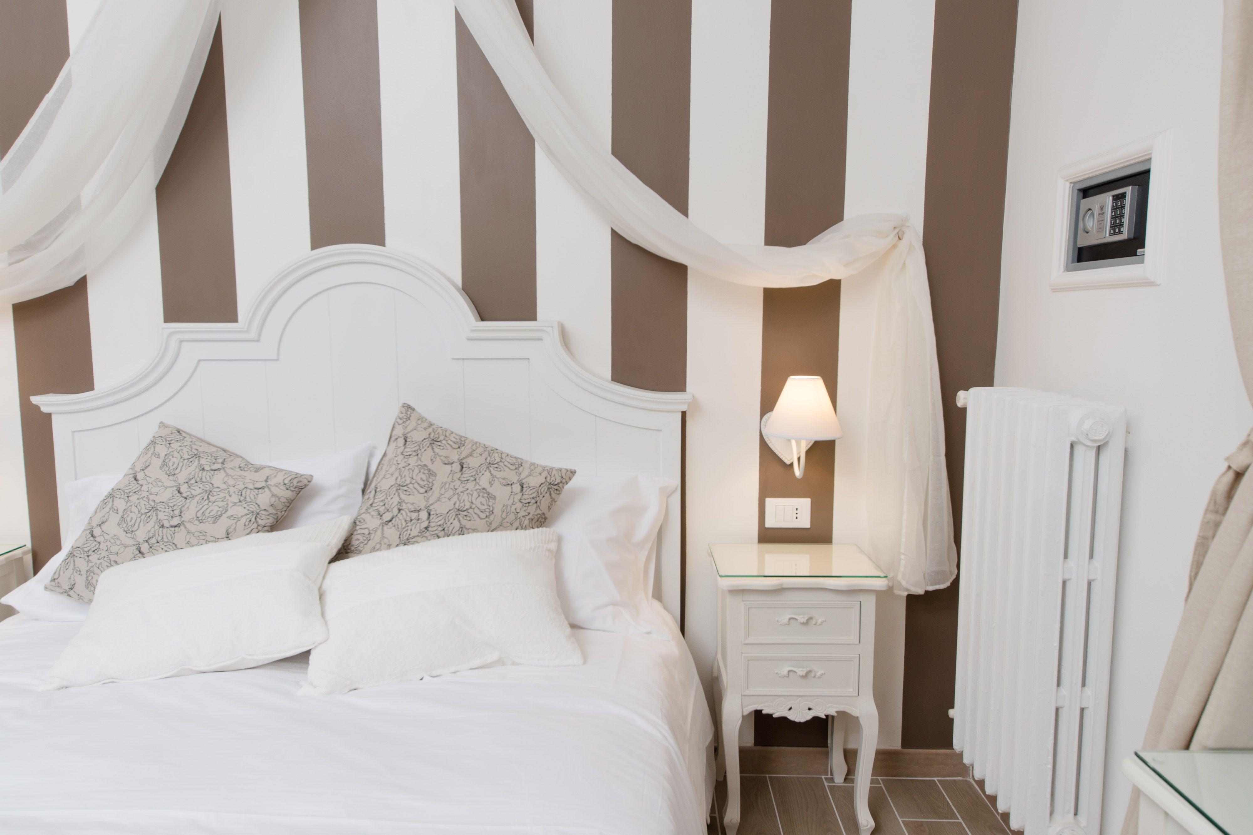 Soggiorno Shabby ~ Room shabby suite with bathroom private soggiorno romantico in