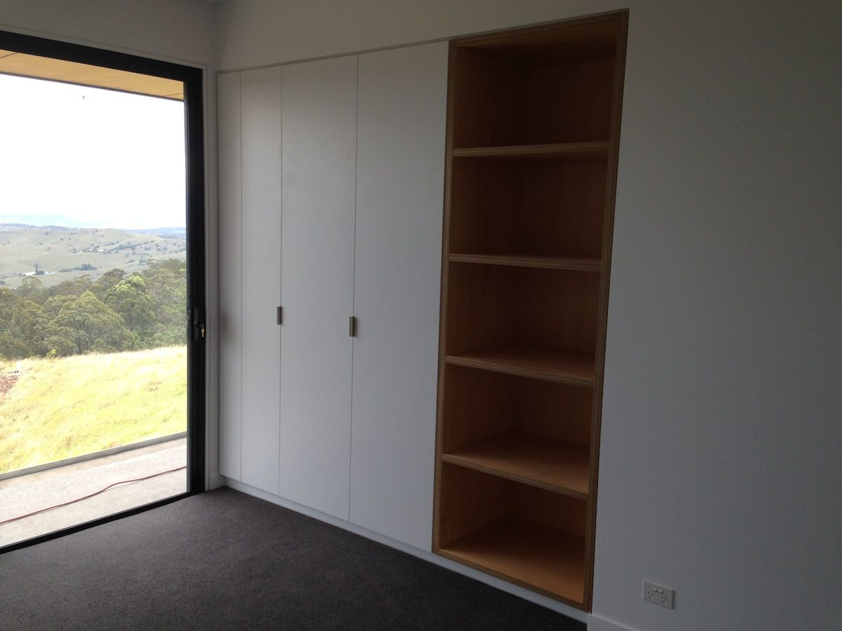 ROBE   Simple White Laminate Doors And Some Timber