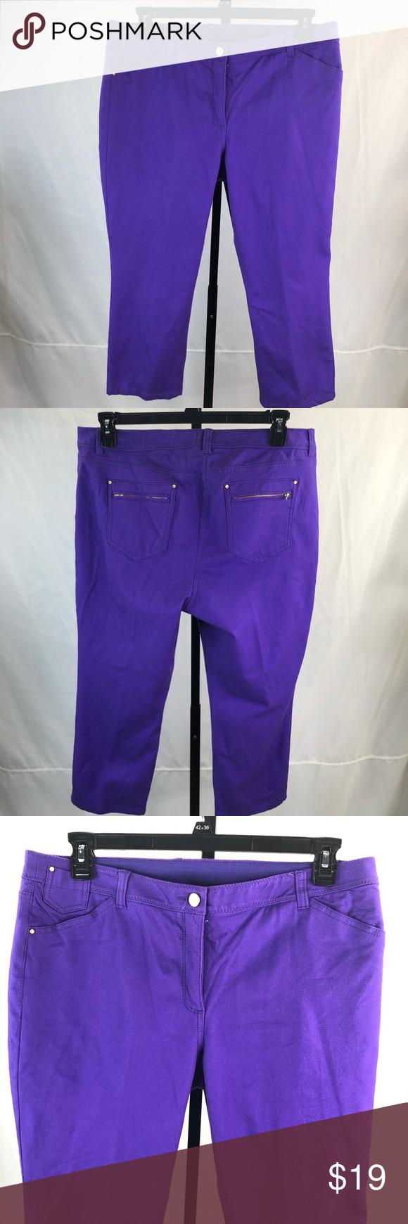 c2e75bda0e7b26 Chico's so slimming Capri pants size 2.5 Petite. Condition good. Jeans like  fabric , stretch, slimming Chico's Pants Capris
