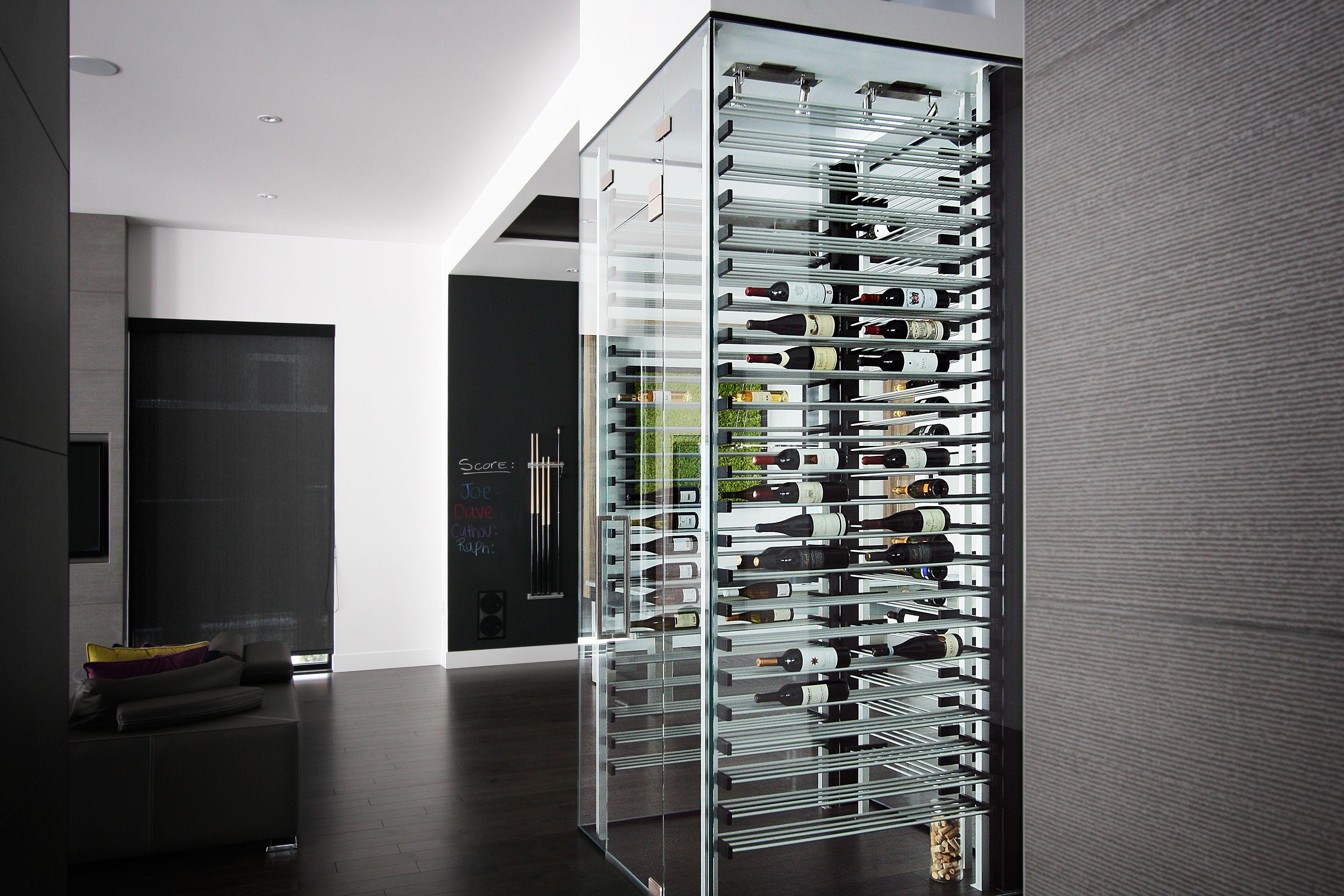 Rangement Cave à Vin contemporain | Glass wine cellar, Wine cellar, Wine wall