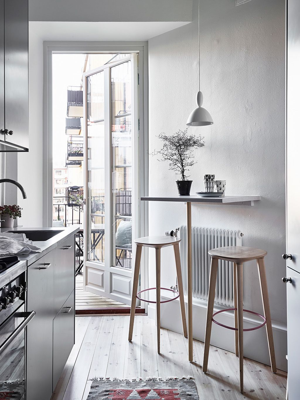 Tiny bar table for a small kitchen | INTERIORS | Scandi cool ...