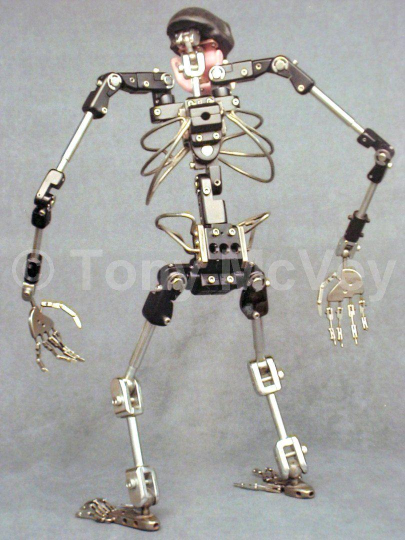 Img 1293 2 Jpg 810 1080 Esqueleto Metal Reciclado King Kong