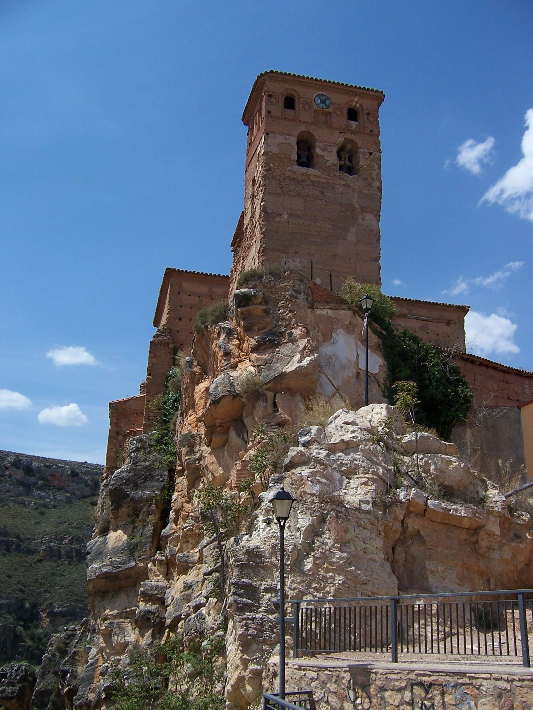 restos del castillo de nuevalos - zaragoza - españa