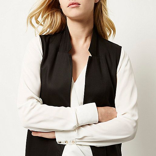 Black side split sleeveless jacket