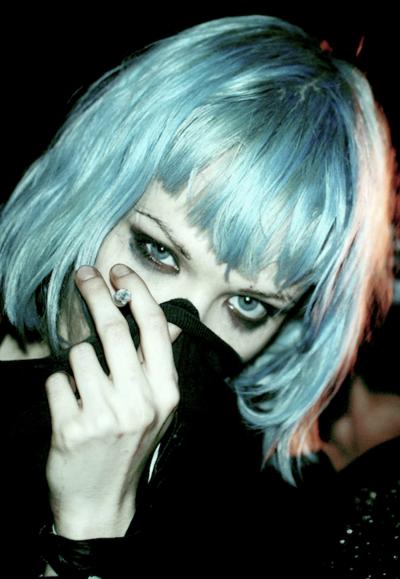 Alice Glass Lovelove Short Blue Hair Short Hair Color Light