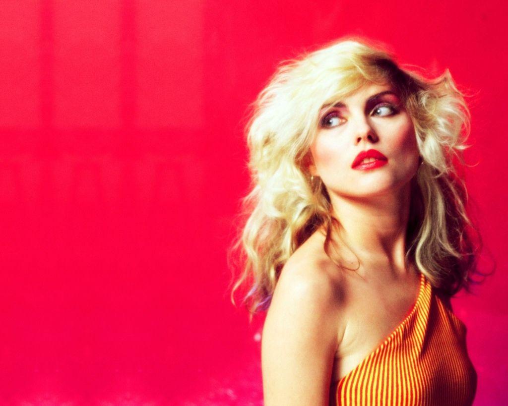 Blondie cumple 40 años desde su formación y les damos un repaso por sus momentos más significativos.
