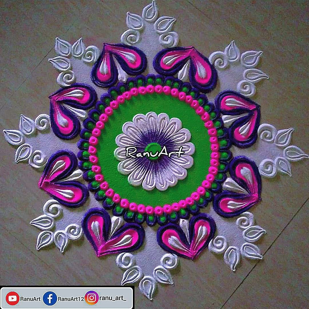 Flower Rangoli design in 2020 Flower rangoli, Rangoli