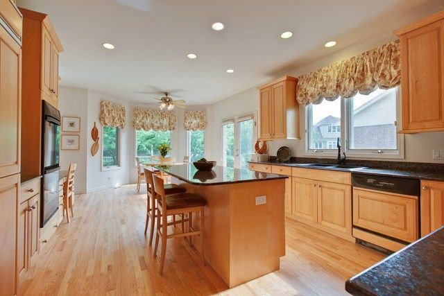 Check out this kitchen at 2567 Chedworth Court in #Northbrook