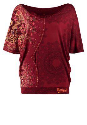 Desigual Bea Roter Batik Jersey Shirt Schnitt Von Dem Altrosa Shirt