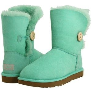 I'm generally opposed to UGG Boots, but this color is changing my mind!
