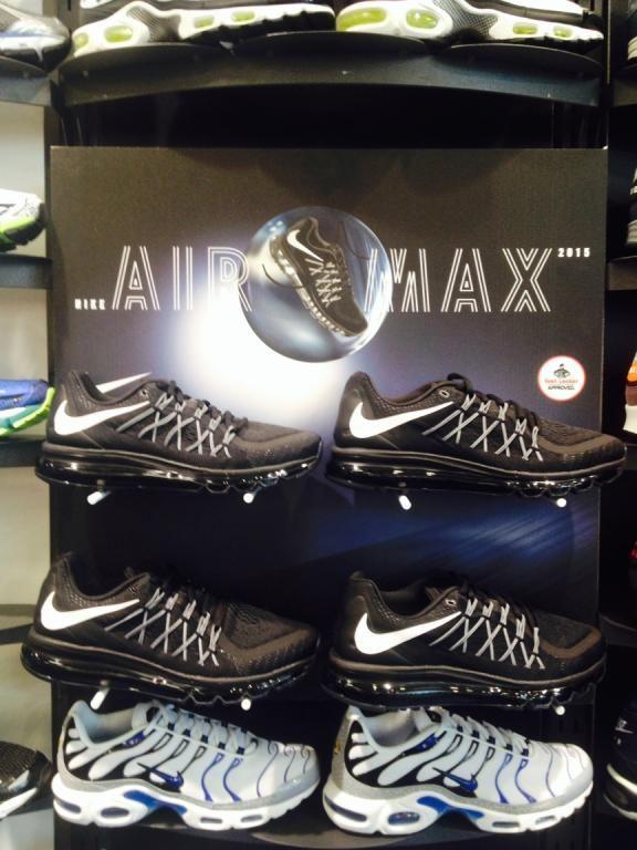 Nike Foot Locker retail sports shoe