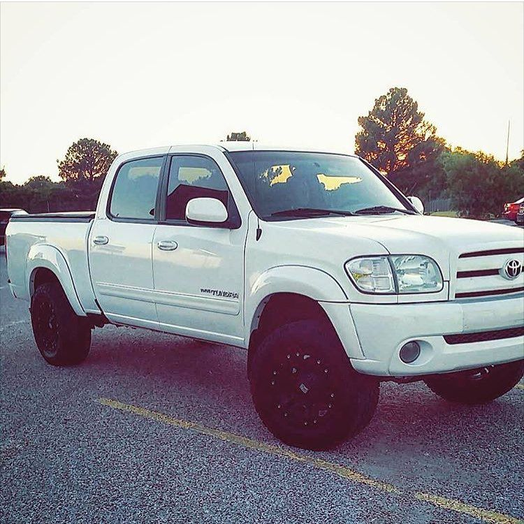 Toyota Tundra Double Cab 4x4: First Gen Double Cab Toyota Tundra White