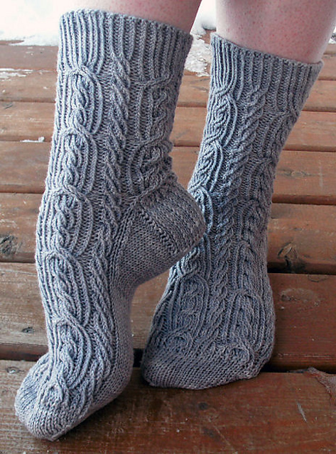 Ribbed Rope Socks pattern by Cynthia Levy in 2020 (With ...