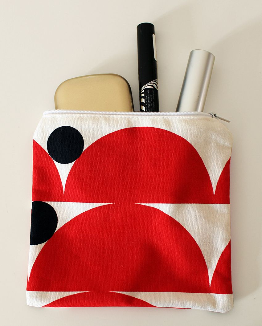 Little pochette for your make up. Never more without it! Red, black and white colors. Buy it here: https://www.etsy.com/shop/MoniqueDesignItaly 6.50€