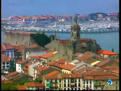 Euskal Herria La Mirada Magica Irun Y Hondarribia Ciudad Medieval Ciudades Estuario