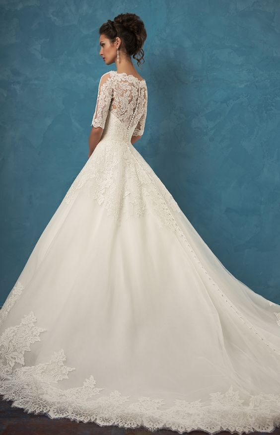 Wedding Dress: Amelia Sposa