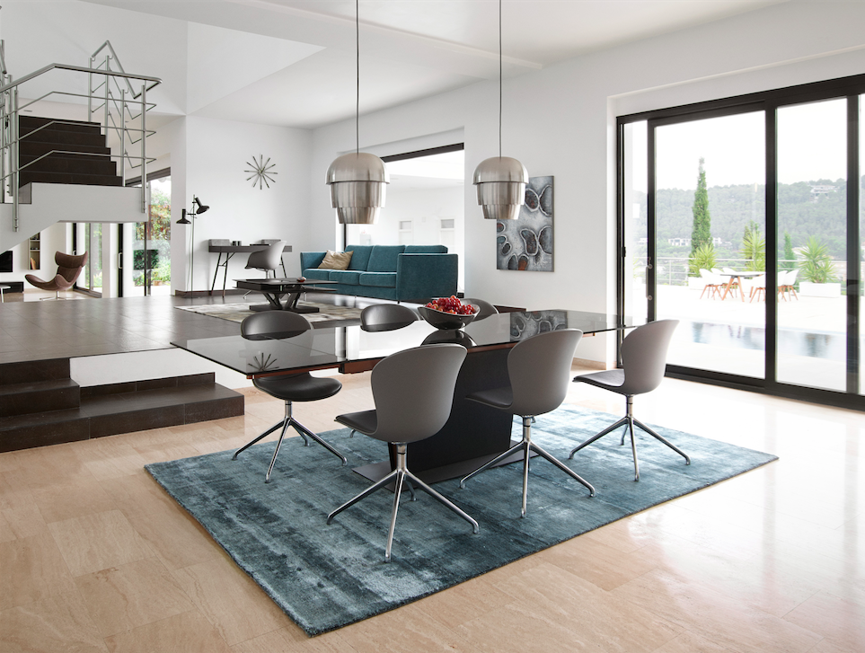 monza table with supplementary tabletops by boconcept. Black Bedroom Furniture Sets. Home Design Ideas