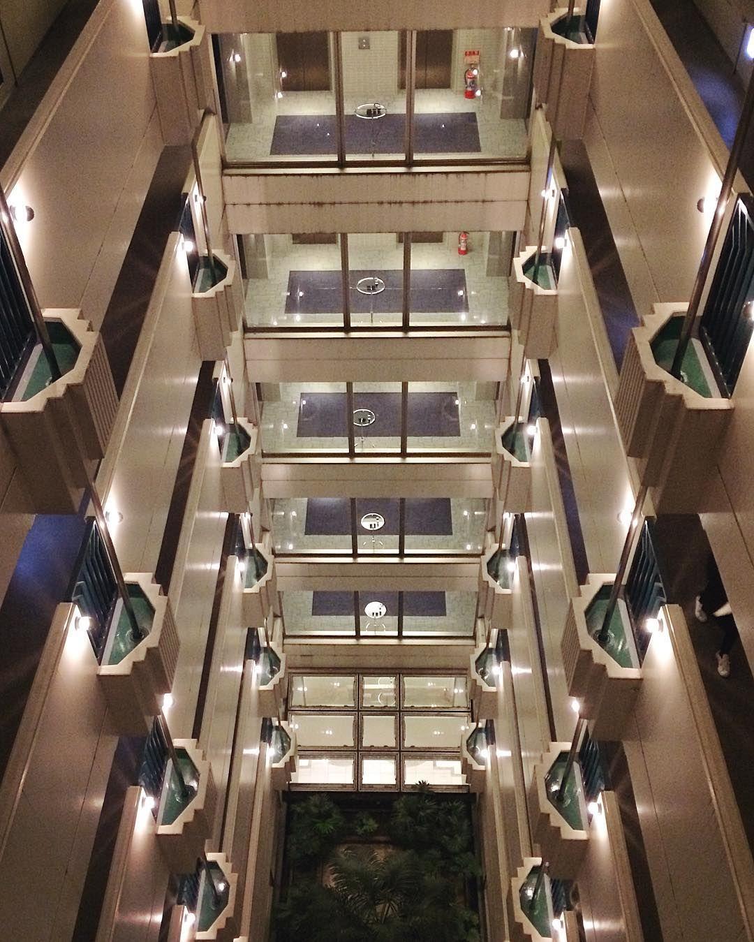 S Y M M E T R Y in Haneda, Japan // #haneda #japan #travel #architecture #symmetry #art http://tipsrazzi.com/ipost/1515061281764587013/?code=BUGlDVohrYF