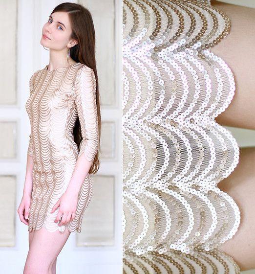 Dressed in gold (by Ariadna Majewska)