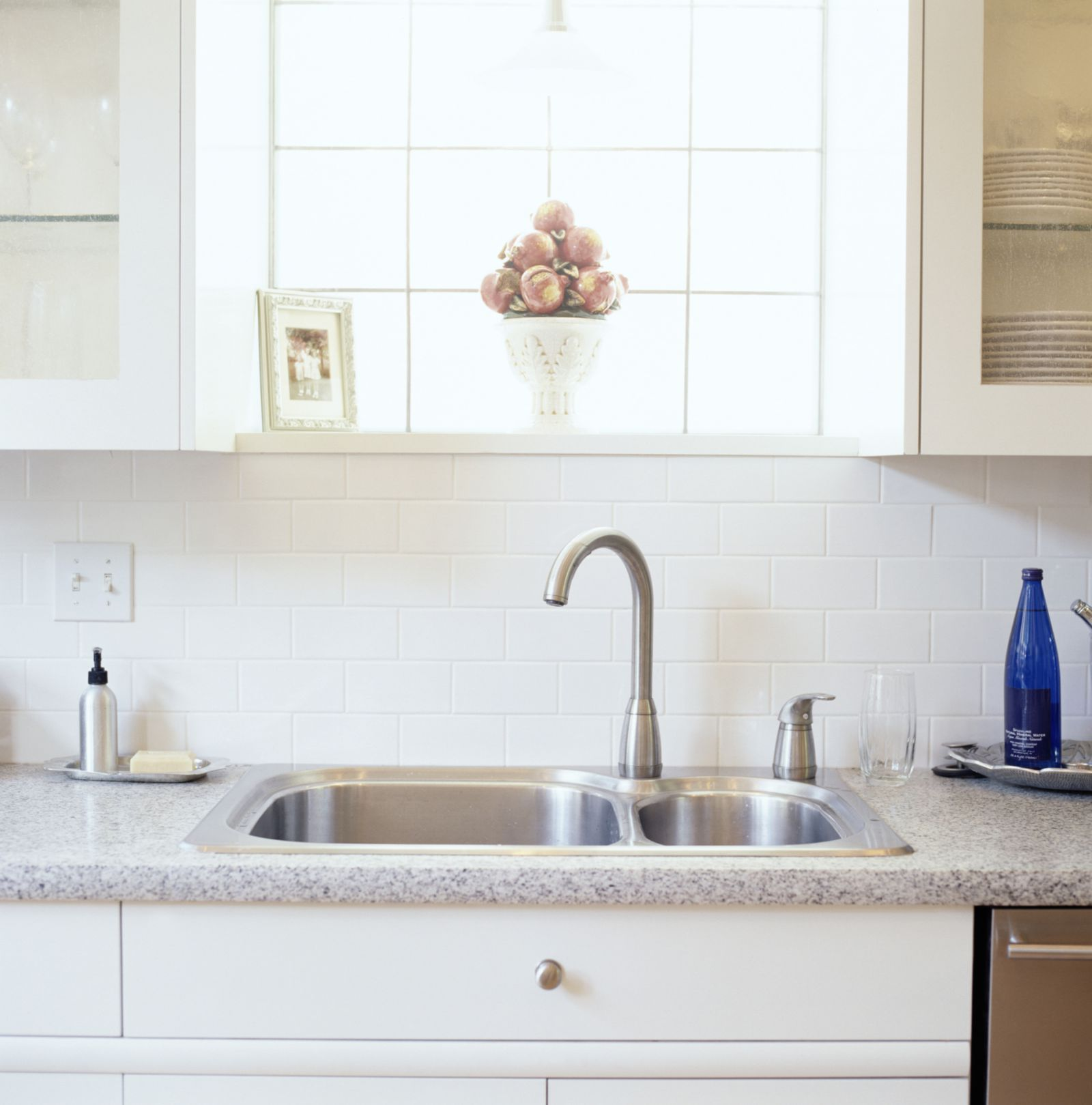 The Best Way To Clean The Kitchen Sinkgoodhousemag
