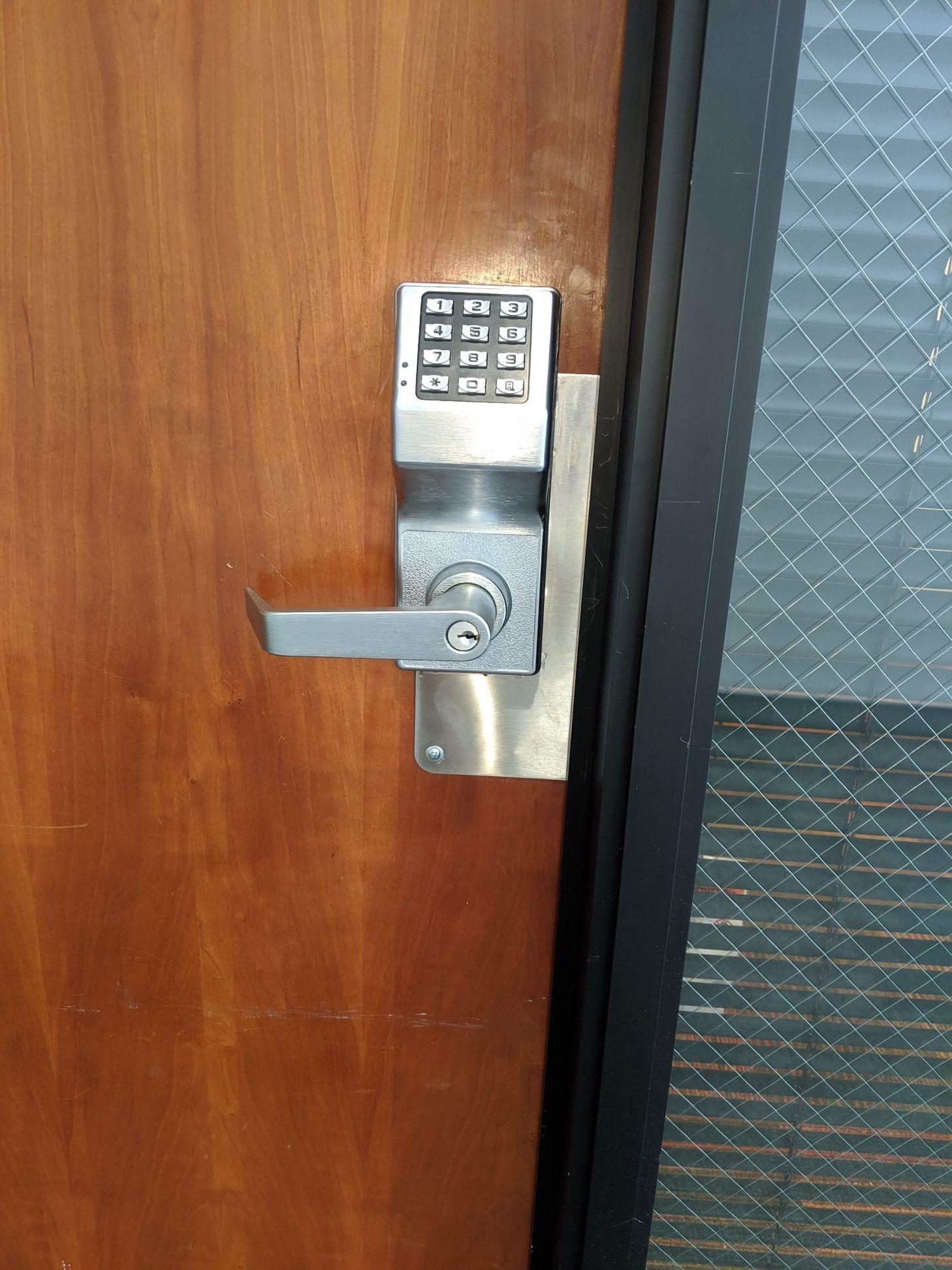 All Pro Locksmith Los Angeles 888 276 1949 Https Allprolocks Com Locksmith Emergency Locksmith All Pro