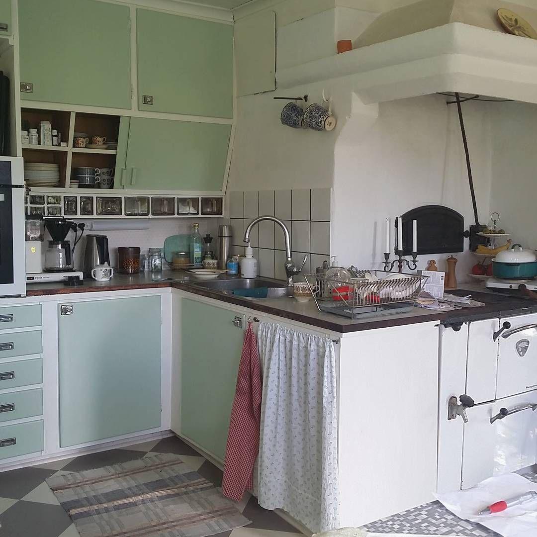 min kusin och sambos kök. dom bor i ett torp från 1800talet
